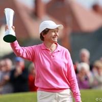 自身初のメジャータイトルを獲得した39歳で2児の母、カトリーナ・マシュー 2010年 全英リコー女子オープン カトリーナ・マシュー