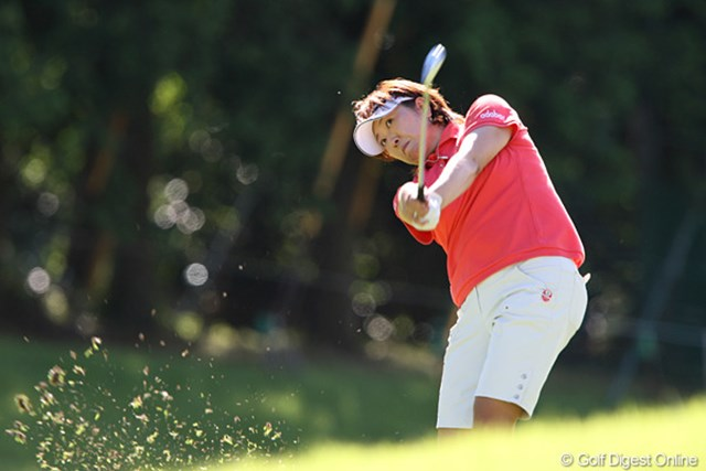 2010年 スタンレーレディスゴルフトーナメント 2日目 福嶋晃子 首位に1打差で最終日を迎える福嶋晃子。久々の勝利を手に出来るか