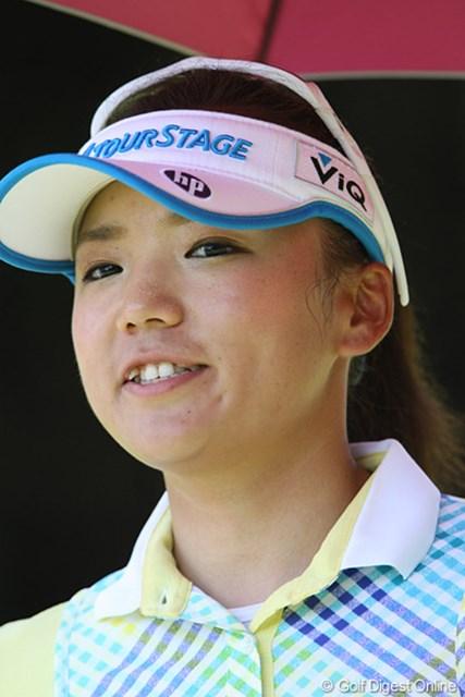 2010年 スタンレーレディスゴルフトーナメント 2日目 有村智恵 虎視眈々とチャンスを狙うディフェンディングチャンピオン。