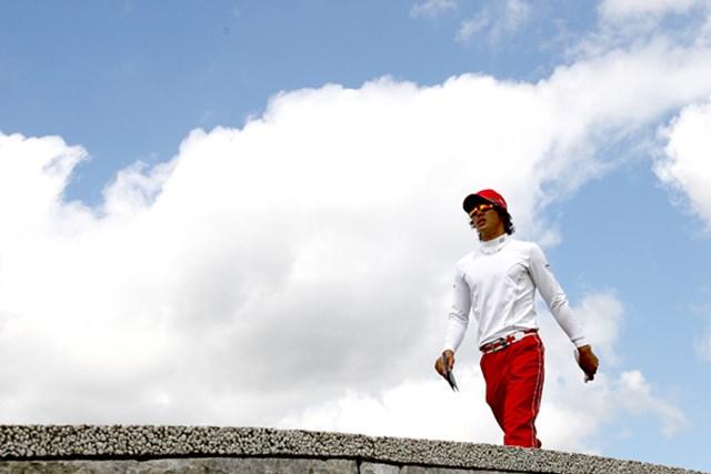ようやく青空に恵まれた最終日、石川遼のプレーは晴れ晴れとはいかず