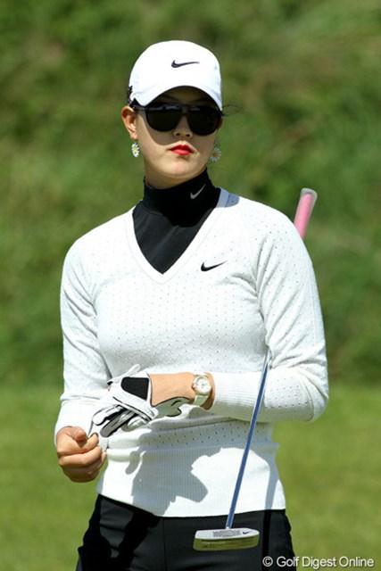 2010年 全英リコー女子オープン3日目 ミッシェル・ウィ 今日はいつもと少し違ったサングラスで登場。リップが目立つ
