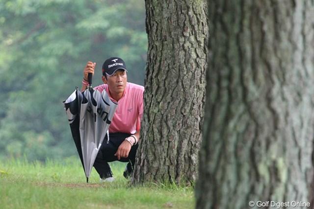 1番からトラブルに見舞われた岡茂洋雄は1ストローク落とし、13位タイで終了