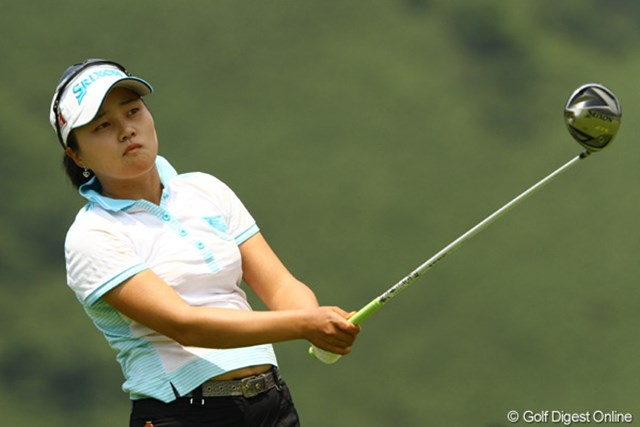 2010年 CAT Ladies最終日 姜如珍 初優勝のプレッシャーを感じてしまったようです。チップインで凌ぐも、一日を通じて出入りの激しいゴルフでした