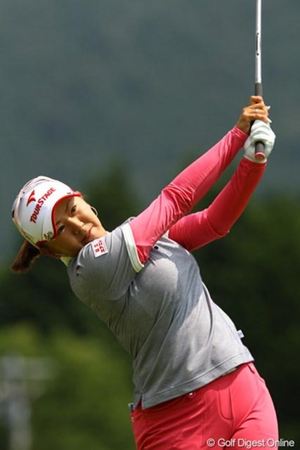 2010年 CAT Ladies最終日 佐伯三貴 ボギー先行の苦しいゴルフながらも、1つスコアを伸ばしましたが、順位を落とし6位タイフィニッシュです
