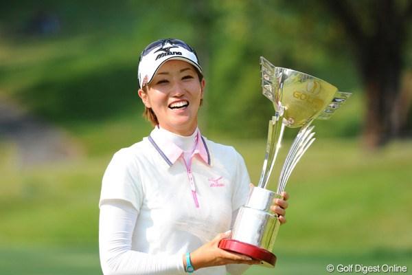 飯島茜がプレーオフで上原に競り勝ち今季2勝目!