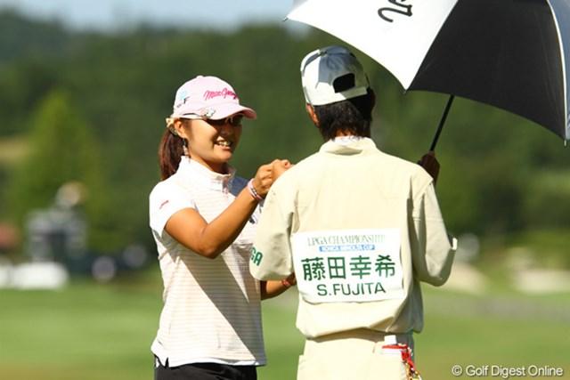 2010年 日本女子プロゴルフ選手権競技コニカミノルタ杯初日 藤田幸希 ノーボギーでラウンドしご機嫌な藤田幸希