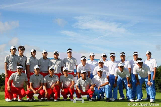 2010年 現代キャピタル招待 日韓プロゴルフ対抗戦初日 日韓代表 スタート前、両国代表が集まり開幕セレモニーが行われた