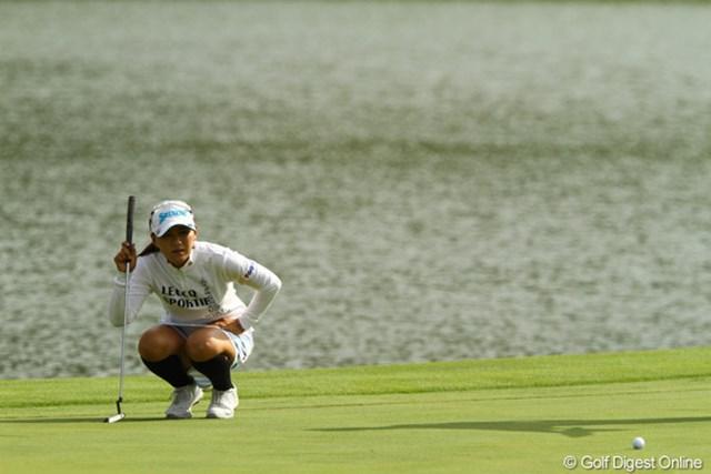 2010年 日本女子プロゴルフ選手権大会コニカミノルタ杯3日目 横峯さくら 18番のボギーパットはしっかり読んだが、カップに嫌われてしまった