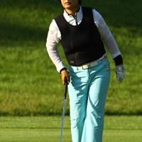 スナイパーにでも狙われてるんでしょうか?連日、防弾チョッキのようなウェアを着てます 2010年 日本女子プロゴルフ選手権大会コニカミノルタ杯3日目 具玉姫