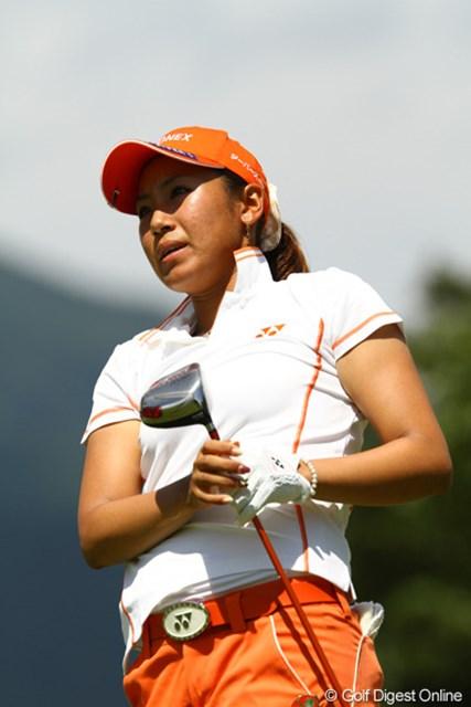 2010年 日本女子プロゴルフ選手権大会コニカミノルタ杯最終日 若林舞衣子 前半スコアを伸ばし、爆発の予感も・・・。しかし後半に入ってダボを叩くなど、もったいないゴルフでした。1つスコアを伸ばし、6アンダー5位タイです。