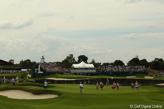2010年 日本女子プロゴルフ選手権大会コニカミノルタ杯最終日 池を挟んで、9番と18番が隣接するグランデージGC。