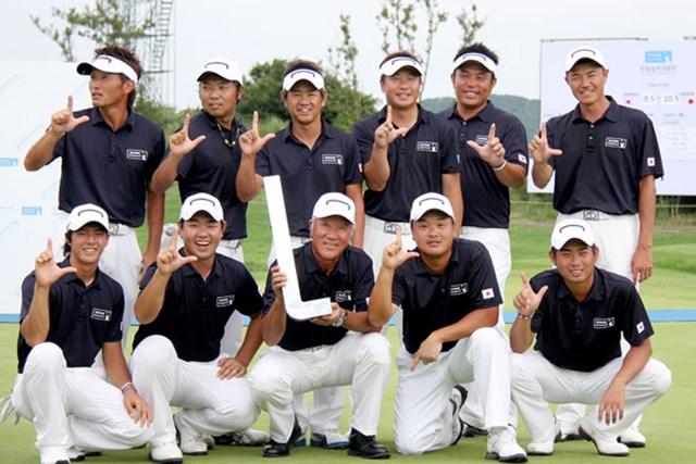 揃いのウェアで3日間を戦い、「現代キャピタル招待 韓日プロゴルフ対抗戦」で見事に勝利を掴んだ日本代表メンバーたち