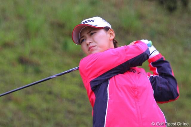 2010年 ミヤギテレビ杯ダンロップ女子オープンゴルフトーナメント事前 横峯さくら 雨が降り続ける中、プロアマ戦を戦った横峯さくら