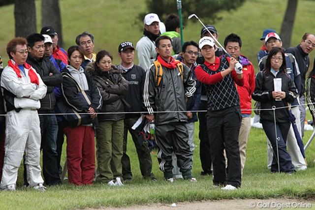 2010年 ミヤギテレビ杯ダンロップ女子オープンゴルフトーナメント2日目 ヤニ・ツェン 17番の悪夢、バンカー、バンカー、またバンカーで+3に。