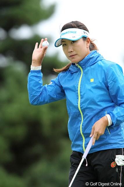 2010年 ミヤギテレビ杯ダンロップ女子オープンゴルフトーナメント2日目 葉莉英 2アンダー、4位タイの葉莉英、優勝を狙ってます。