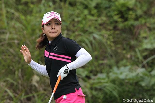 2010年 ミヤギテレビ杯ダンロップ女子オープンゴルフトーナメント2日目 宮里美香 優勝も狙える位置です。トップと2打差の4位タイの美香ちゃん。