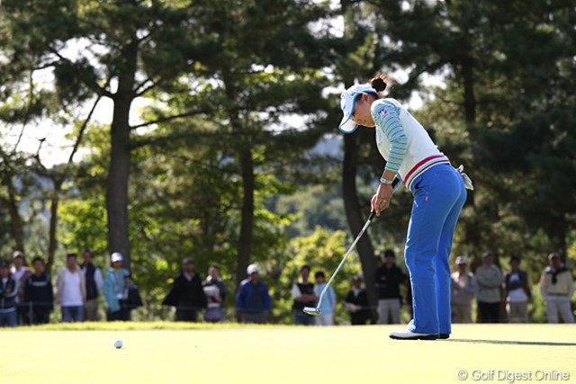 2010年 ミヤギテレビ杯ダンロップ女子オープンゴルフトーナメント最終日 有村智恵 最終日はダブルボギーを2つ叩きスコアを落とした有村智恵