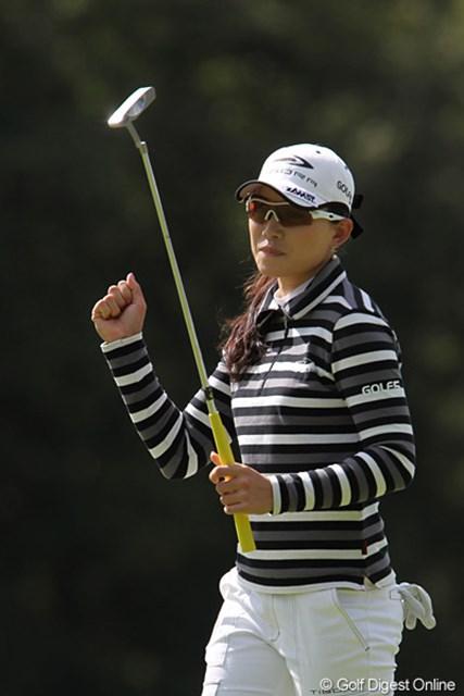 2010年 ミヤギテレビ杯ダンロップ女子オープンゴルフトーナメント最終日 イム・ウナ 気合の入ったプレーを見せるイム・ウナ