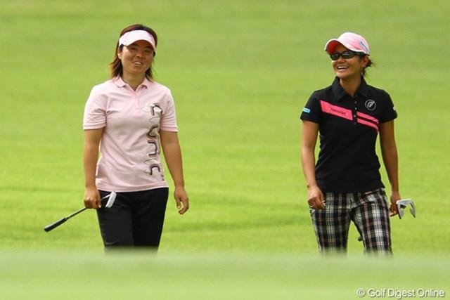 2010年 日本女子オープンゴルフ選手権競技2日目 不動裕理&宮里藍 久し振りに一緒に予選2日間をラウンド。楽しそうに会話する場面も。