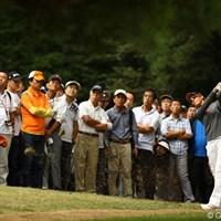 3番ロングホールのティショットをギャラリーに打ち込んでしまいました。81を叩き急降下です。 2010年 日本女子オープンゴルフ選手権競技3日目 ニッキー・キャンベル
