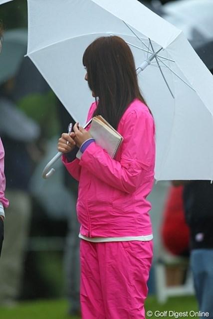 2010年 キヤノンオープン3日目 谷原秀人の奥様 谷原プロの奥様。目立ってましたよ。