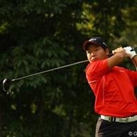 日大の先輩、丸山茂樹・松村道央と一緒のペアリングに緊張したようです。しかし、1アンダーと好スタート!8月に他界されたお父様も天国で見守ってくれてるはずです。 2010年 日本オープンゴルフ選手権競技 初日 大田和桂介