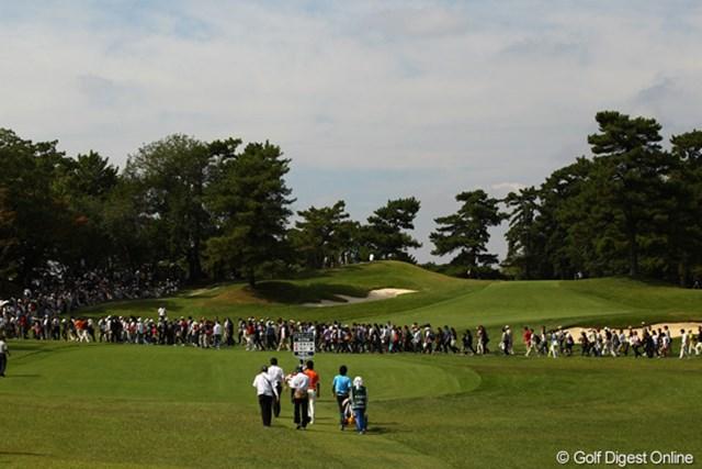 2010年 日本オープンゴルフ選手権競技 3日目 石川遼 「間もなく遼様が通りますので、ギャラリーの方はお早目に!」