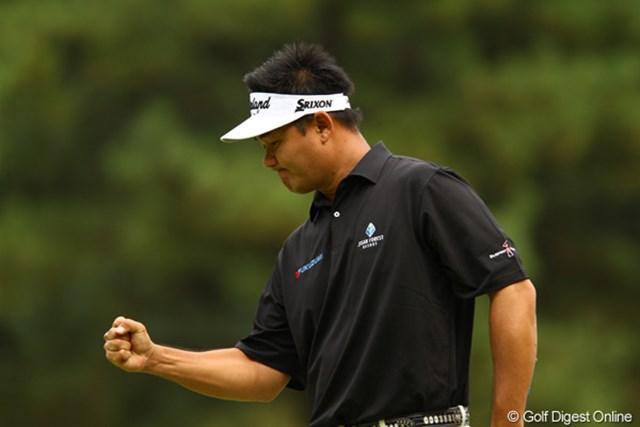 2010年 日本オープンゴルフ選手権競技 最終日 ハン・リー 昨日よりショットが安定して、2アンダーでラウンドしましたが、優勝までは届きませんでした。しかし、キム・キョンテの優勝を心から喜んでいましたよ。3位タイフィニッシュです。