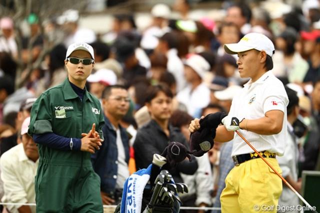 2010年 日本オープンゴルフ選手権競技 最終日 藤本佳則 ローアマにはなれませんでしたが、トータル1アンダーフィニッシュはさすがですね。いつも思うのですが、キャディさんが美人かと・・・。