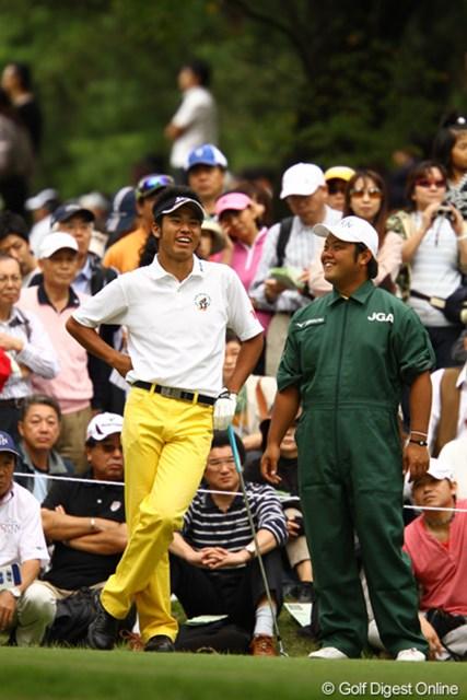 2010年 日本オープンゴルフ選手権競技 最終日 松山英樹 笑顔の多い4日間でした。同じ大学の仲間のキャディにも恵まれたようです。ちなみにキャディさんの愛称は「大将」。う~ん、ピッタリ!