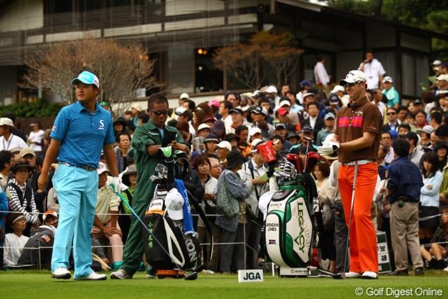 2010年 日本オープンゴルフ選手権競技 最終日 小田孔明とブレンダン・ジョーンズ 日豪飛ばし屋対決!意識しすぎたのか、2人とも大崩れ。