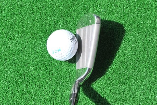 新製品レポート 「ゴルフの概念を変える簡単さ」PING K15 ハイブリッドアイアン NO.2 構えてみると、トップブレードが分厚く安心感が伝わる