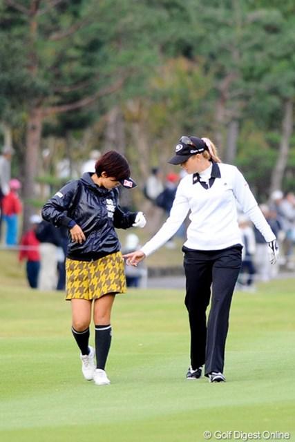 「ヘイ、ユキ!スカートのファスナーがオープンね」「あああ~~」これホンマの話です。