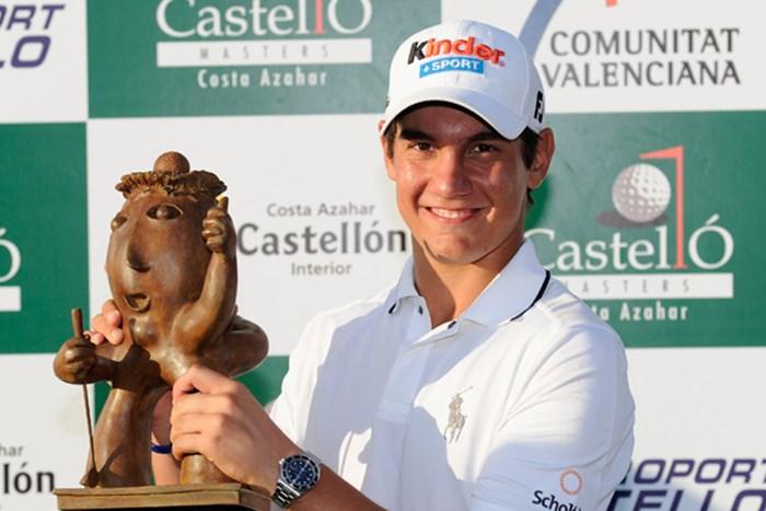 通算16アンダーで、初優勝を果たしたマッテオ・マナッセロ(Stuart Franklin/Getty Images) 2010年 カスティーヨ・マスターズ 最終日 マッテオ・マナッセロ