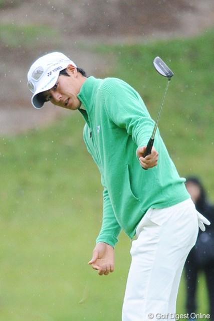 2010年 マイナビABCチャンピオンシップゴルフトーナメント 初日 石川遼 プロ転向して初の優勝がこの試合やったんやなァ。ウォーター・ショットしたんやったなァ。懐かしいなあ・・・。