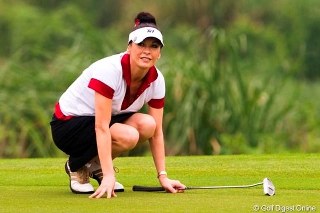 仕事が忙しくてゴルフは1年半ぶりというキャサリン・ゼタ・ジョーンズ
