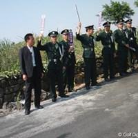 中国流の「お静かに!」 2010年 ミッションヒルズ スタートロフィー