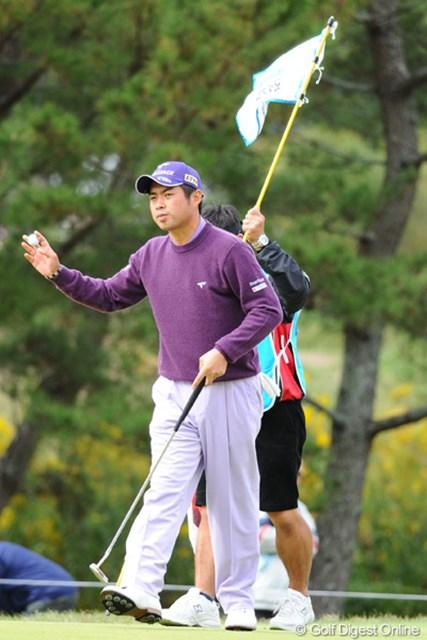 2010年 マイナビABCチャンピオンシップゴルフトーナメント 2日目 池田勇太 若大将は残念ながらスコアを伸ばせず、優勝争いから脱落したんで、2週連続Vは赤信号ですワ。26位T