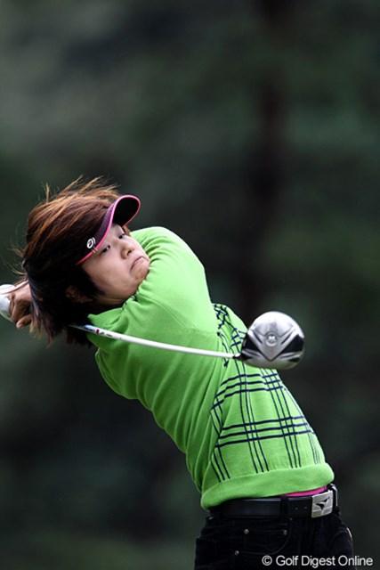 2010年 樋口久子IDC大塚家具レディス 初日 野村敏京 韓国籍のアマチュアです。2オーバーフィニッシュ。