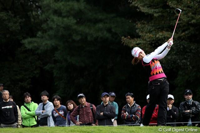 2010年 樋口久子IDC大塚家具レディス 初日 有村智恵 初日パープレーでフィニッシュ、明日以降に期待です。