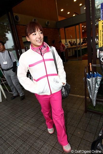 2010年 樋口久子IDC大塚家具レディス 2日目 有村智恵 第2Rは悪天候により中止。手負いの有村智恵にとっては恵の雨となった