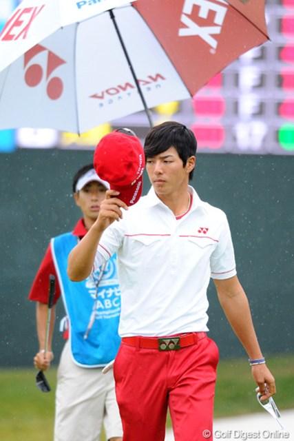 2010年 マイナビABCチャンピオンシップゴルフトーナメント 最終日 石川遼 最終ホール2オンで「さすがは遼君。今日も何かが起こるかも・・・」と思たんやけど・・・。ザンネ~ン!