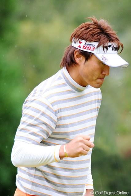 2010年 マイナビABCチャンピオンシップゴルフトーナメント 最終日 宮本勝昌 追い込んだんやけどなァ・・・。勝負に出た最終ホールの池ポチャが悔やまれるけど、男やったら狙うわなァ・・・。惜しい!3位T