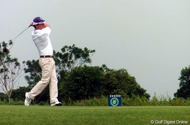 ゴルフに夢中で、レッスンの成果を出したいと語ったヒュー・グラント