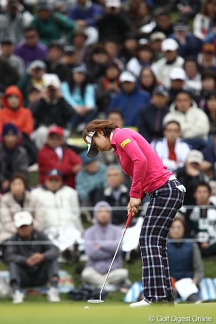 2010年 樋口久子IDC大塚家具レディス 最終日 森田理香子 18番のイーグルパットを入れればツアー新記録だった。