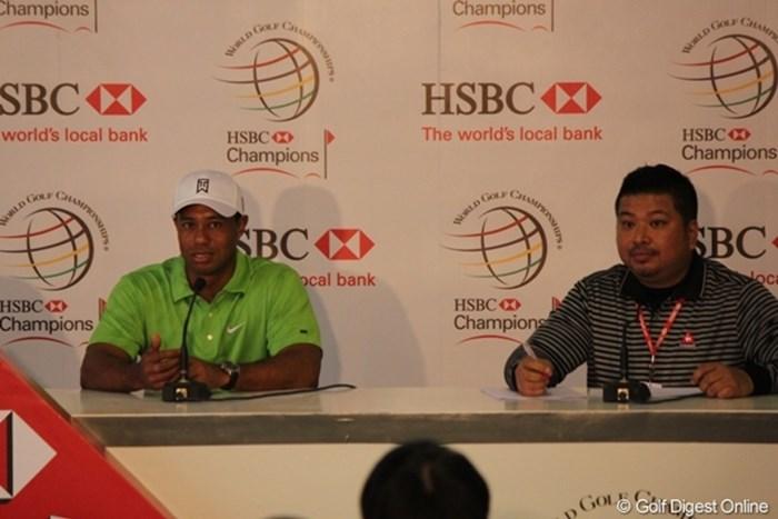 「中国人ギャラリーのマナーが良くなってプレーがしやすくなった」と語ったタイガー・ウッズ 2010年 WGC HSBCチャンピオンズ 初日 タイガー・ウッズ