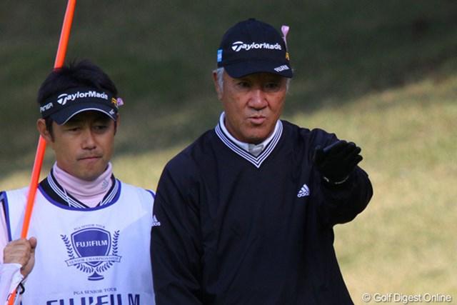 2010年 富士フイルムシニアチャンピオンシップ 初日 青木功 この日は得意のパッティングが不発だったが、1オーバー11位タイから逆転優勝を狙う