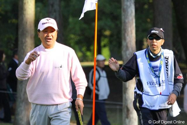 2010年 富士フイルムシニアチャンピオンシップ 初日 倉本昌弘 こちらも2週連続優勝がかかっているが、初日は3オーバーと出遅れた倉本昌弘