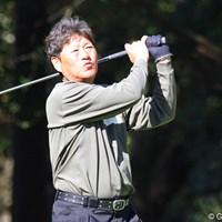 まるで口笛でも吹いているような軽やかなスイングでナイスオン! 2010年 富士フイルムシニアチャンピオンシップ 2日目 尾崎健夫