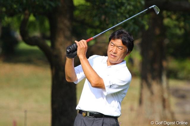 2010年 富士フイルムシニアチャンピオンシップ 最終日 羽川豊 5番で4パットのダブルボギーを叩いた羽川豊。次はあなたが優勝する番ですね